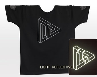 Optical Illusion T-shirt . light reflective silver print