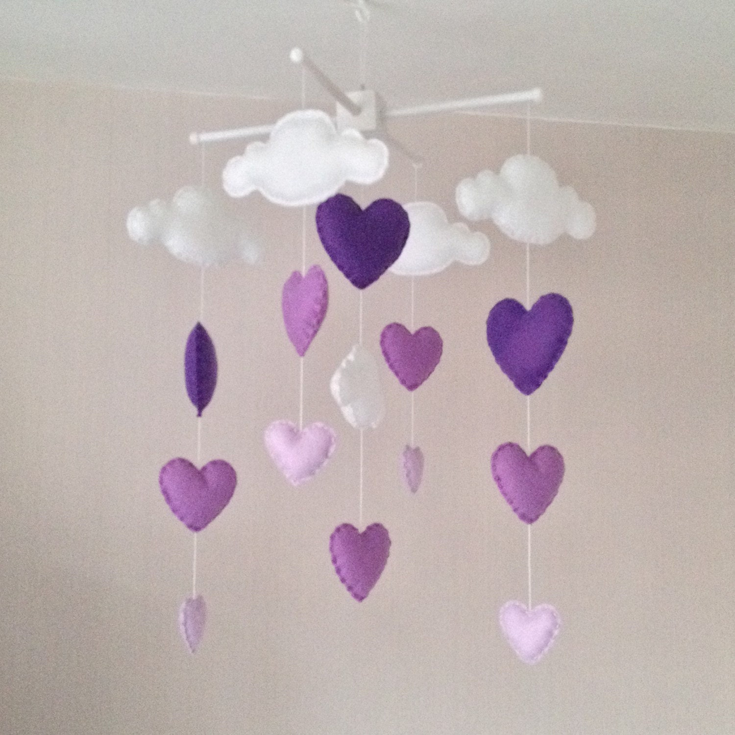 baby mobile cot mobile clouds and hearts cloud mobile. Black Bedroom Furniture Sets. Home Design Ideas