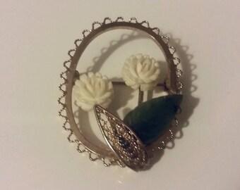 Dainty vintage flower brooch