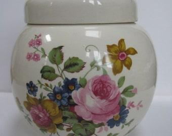 Sadler Ginger Jar - Floral Ginger Jar - Cottage Chic Jar - Cottage Chic Decor - Cream Ginger Jar  - Sadler England - Saddler Pottery