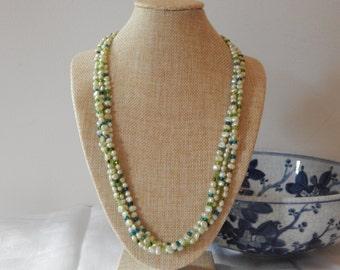 Peridot & Green Pearls Necklace, Peridot and Pearls Necklace, Celtic Closure Peridot and Pearls Necklace, June Birthstone, Pearls