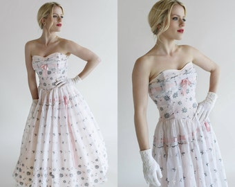 Tea Length Wedding Dress / Vintage 1950s Strapless Dress