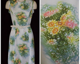 1960s sleeveless sheath dress with floral motif from Hob Nobber Naturally SIZE 10-12