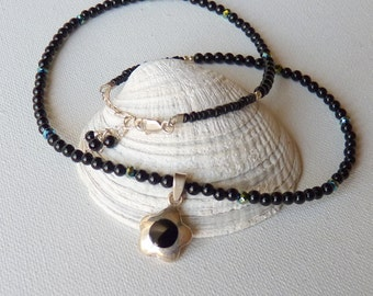 SALE, Sterling Silver Black Onyx  Pendnat Necklace Small Onyx Beads NecklaceBlack Gemstone Necklace, Small Flower Necklace, Simple Necklace