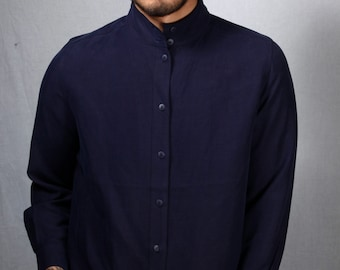 Vintage Mens navy blue long sleeve high collar button up shirt