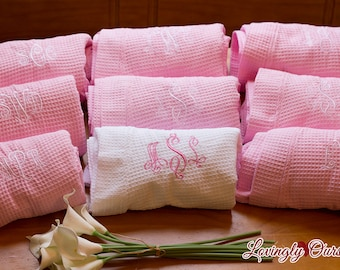 Bridesmaid Robes Set of 9 Monogrammed Short Waffle Weave Robes for Wedding Party Bridesmaid Gifts