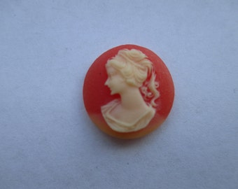 18mm Round Carved Celluloid Cameo. Item:BC818464