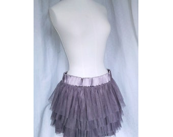 Skirt of tulle and satin ash