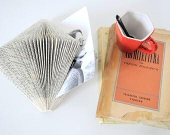 "Folded book - Book lovers' day - Folded book art ""Hedgehog"" - Decorative object - Paper holder"