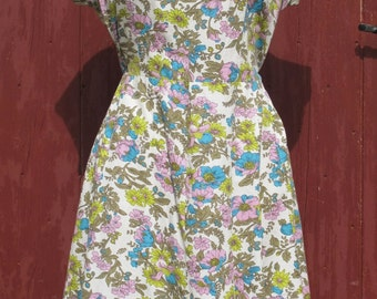 Neon Liberty 1970s Scalloped neckline Day dress
