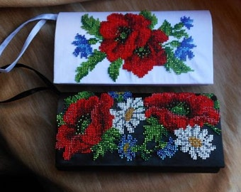 A small bag with poppies