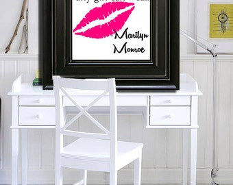 A smile is the best makeup any girl can wear wall art. Marilyn Monroe wall art, marilyn monroe quotes to hang on the wall, modern decor!