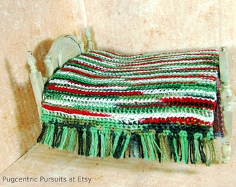 Miniature dollhouse crochet blanket bedspread reversible mossy green Christmas red and green 1/12 scale bedding