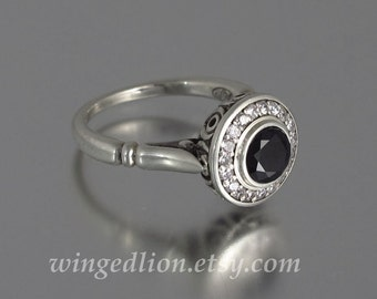 THE SECRET DELIGHT silver ring with Black Spinel