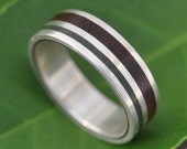 Jade and Wood Ring - Rayo de Luz Verde - ecofriendly recycled sterling silver, jade stone and wood band