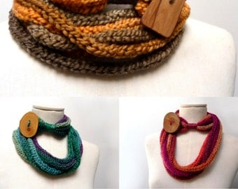 Loop Infinity Scarf Necklace, Knitted Scarlette Neckwarmer - Ombre yarn with giant wood button - CUSTOM COLOR