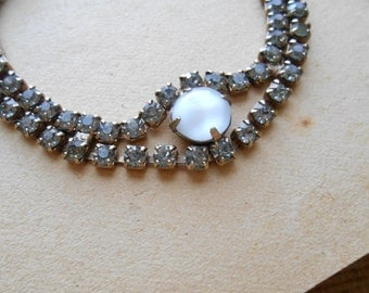white grey and blue vintage rhinestone bracelet great vintage condition vintage costume jewelry