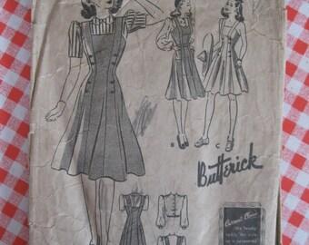 "1940s Jumper Beach Sports Frock Dress & Blouse - 34"" Bust - Butterick 1093 - Vintage Sewing Pattern"