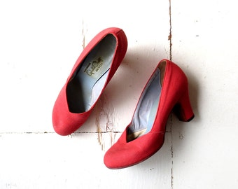 Vintage 1940s Heels / Red Pumps / 40s Shoes / Pin Up Shoes / Size 6