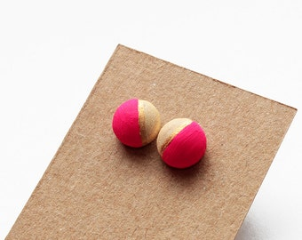 Geomeric wooden stud earrings - hot pink, gold, natural wood - minimalist, modern hand painted jewelry