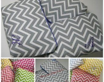 Bridesmaid Gifts//Monogrammed Initial Cosmetic/MakeUp Bag,Zipper Pouch/Chevron