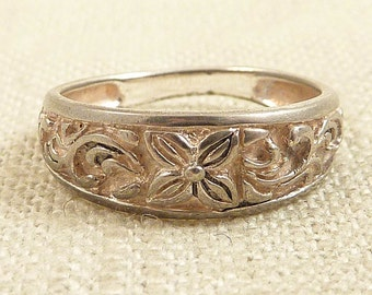 SALE ---- Size 6 Vintage Sterling Flower and Vines Band