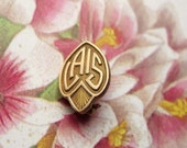Small Vintage Lapel Pin Brass / Lais