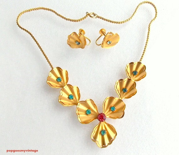 Items similar to vintage bugbee niles necklace and for Bugbee and niles jewelry