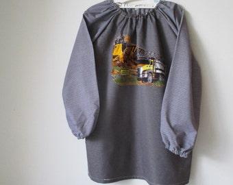 Age 9 to 12 kids craft apron, children's school art smock, long sleeve waterproof front. Truck.
