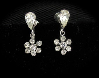 Vintage Rhinestone Earrings, Screw On Earrings, Christmas Jewelry, Formal Wear, Vintage Wedding, Crystal Earring, Bridal Jewelry, Party Prom