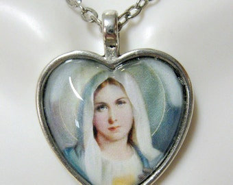 Immaculate heart pendant and chain - AP40-028