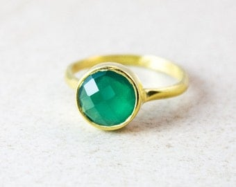 Gold Green Onyx Gemstone Ring - Stackable Ring - May Birthstone Ring