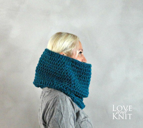 Womens Cowl- Unisex Cowl- Mens Cowl Scarf- Chunky Knit Cowl- Oversized Cowl- Womens Snood- Mens Snood- Chunky Cowl- Blue Knit Cowl- Gift