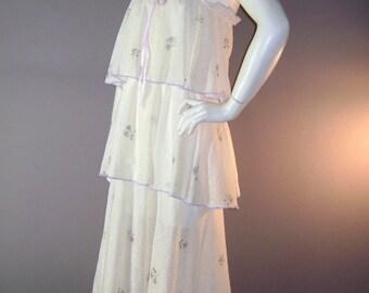 70s dress 1970s vintage LAVENDER FLORAL TIERS violets ruffled hippie gauze cotton full skirt sun dress