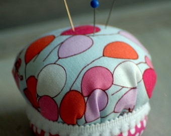 Pincushion in Pink Ballon Fabric