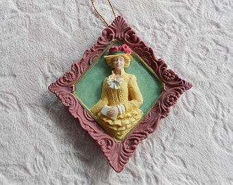 VICTORIAN LADY ORNAMENT Pink Green Cameo Woman Purse Hat Bonnet Hanging Tree Plaque Rose Floral Flower Ornate Frame Border Girl Embossed Nos