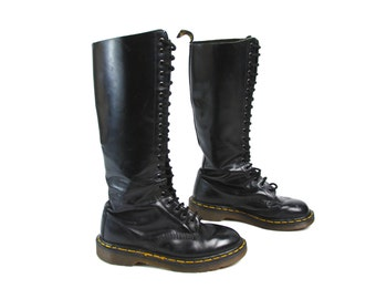 1980's Made in England Dr.Marten 20-Eyelet Lace Up Boots