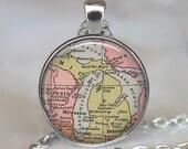 Michigan state map pendant, Michigan map jewelry, map necklace resin pendant, map jewelry Michigan pendant keychain key chain