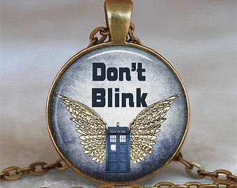 Don't Blink necklace, Weeping Angels pendant, Dr Who jewelry, Tardis pendant, Dr Who pendant, Whovian pendant keychain key chain