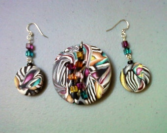 Multicolor Pendant and Earrings (0454)