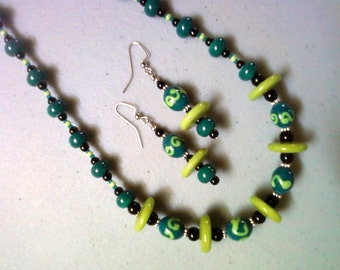 Dark Teal, Lime Green and Black Necklace and Earrings (1025)