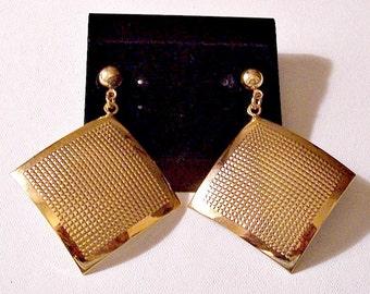Textured Diamond Discs Pierced Earrings Gold Tone Vintage Smooth Band Edge Round Bead