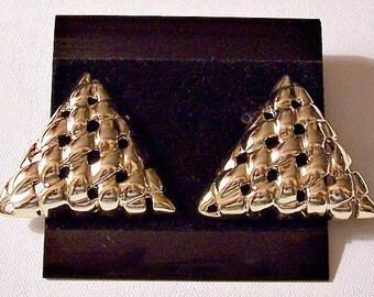 Triangle Basketweave Disc Pierced Stud Earrings Gold Tone Vintage Large Open Lattice Style Buttons