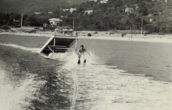 Vintage Waterskiing 114