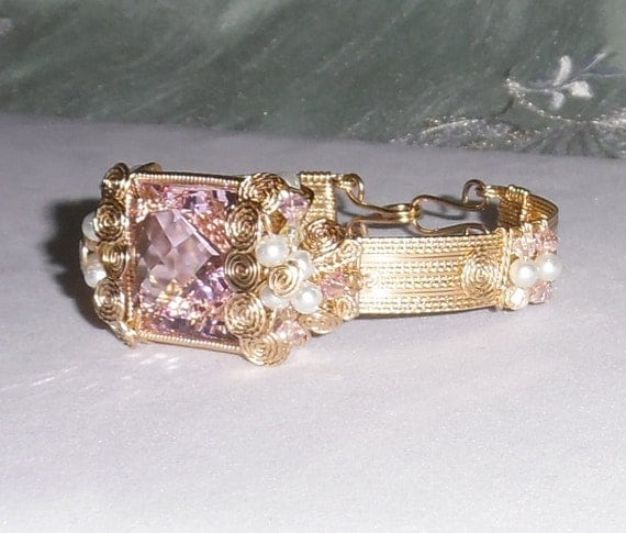 50 ct Natural untreated Emerald CKB cut Soft Pink Topaz gemstone,14kt yellow gold Bangle Bracelet