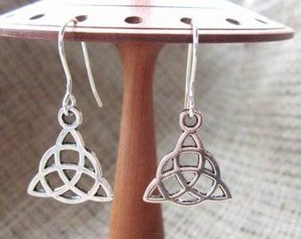 Celtic triquetra silver dangle earrings - Pagan drops dangles Welsh Irish Scottish