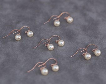 Rose Gold Bridesmaid Earrings, Pearl Bridesmaid Jewelry, Rose Gold Pearl Earrings Set of 7, Rose Gold Jewelry