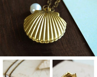 Shell Locket Necklace. Mermaids Locket. Gold Brass Sea Shell locket with white pearl necklace, Beach Wedding Necklace, Gift under 20