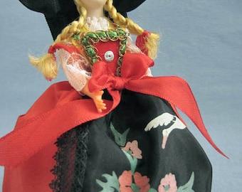 French Alsatian costume doll, folk doll, vintage, France, Alsace, Convert, la palette du souvenir, vintagefr