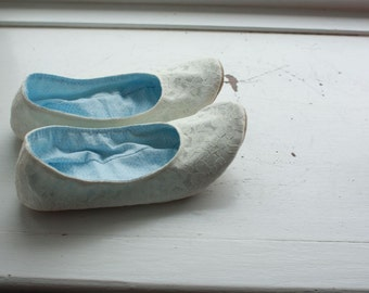 US 7 / Euro 36.8, UK 5.5, Ivory Satin and lace slippers, Ready to Ship